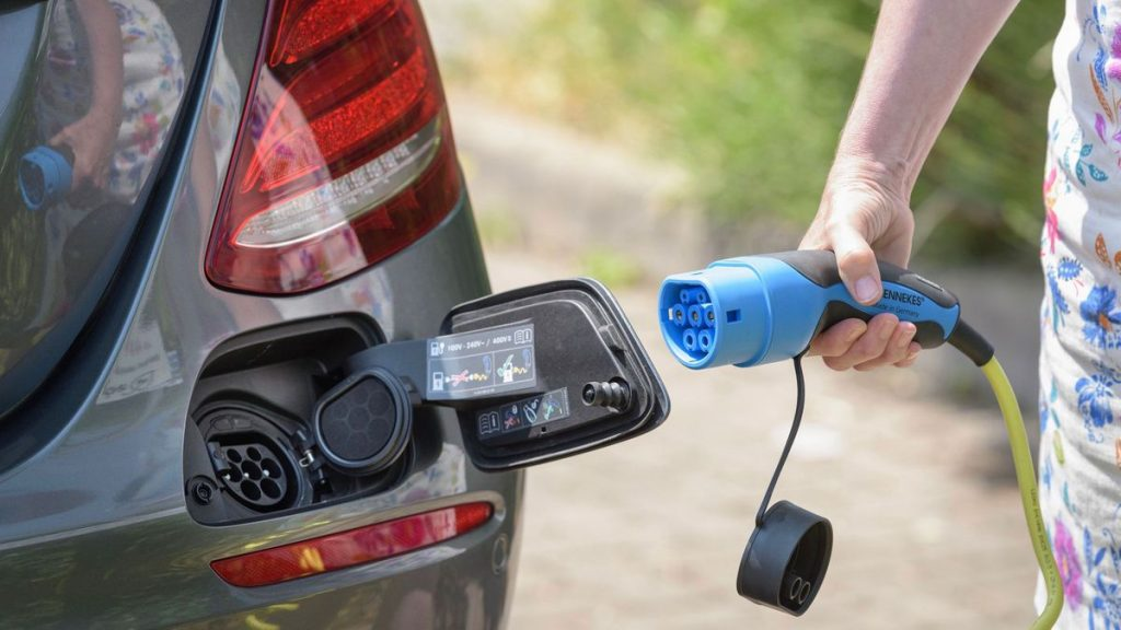 Sạc điện cho EV Car